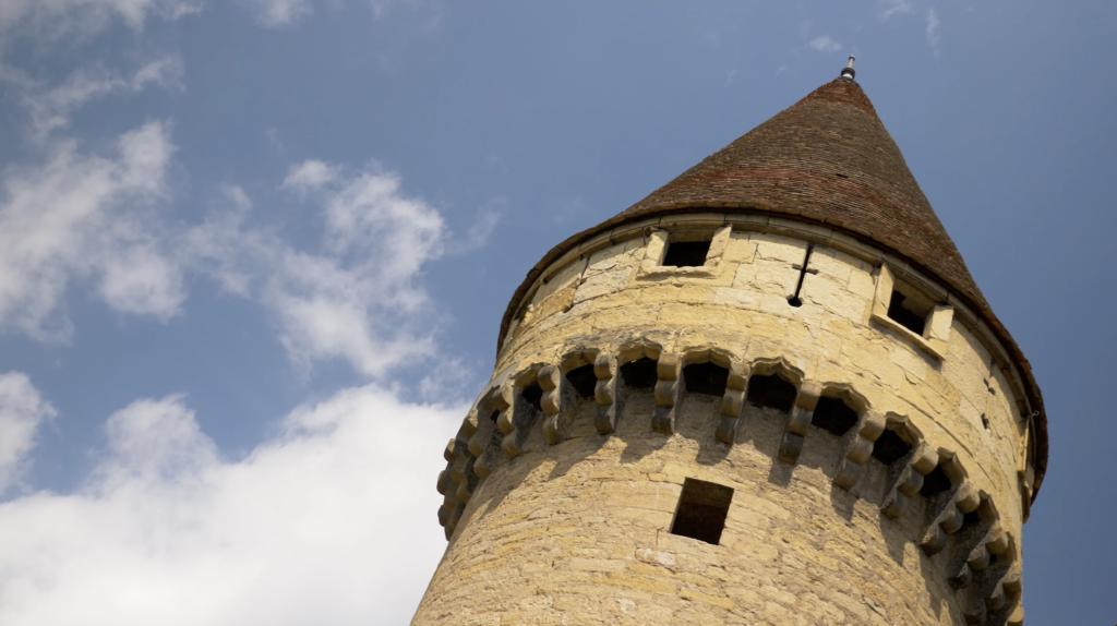 Abbaye de Cluny forteresse médiévale
