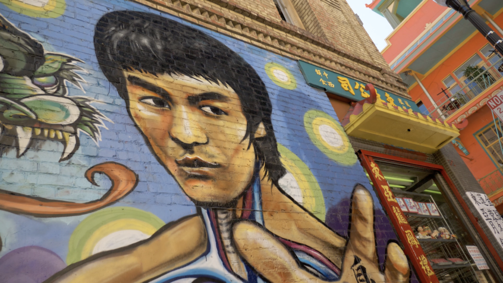 Bruce Lee en graffiti à Chinatown