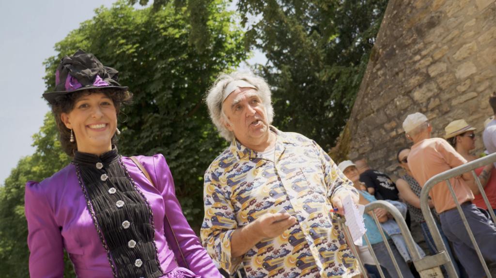 Clara Clayton et Emmet Brown à Cluny lors de la Rencontre Européenne des Voitures Stars de Cinéma REVSC