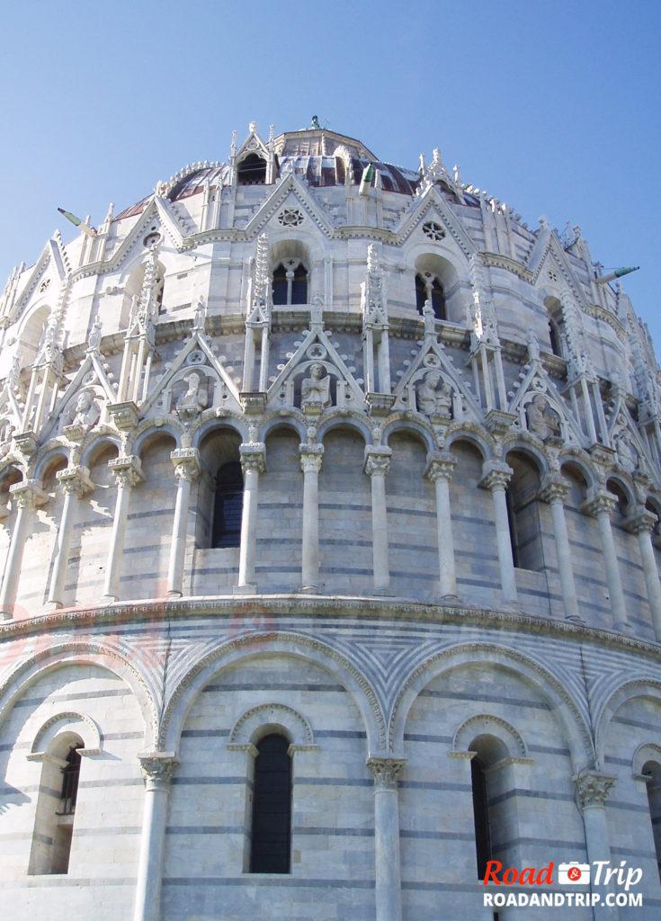 De nombreux détails architecturaux