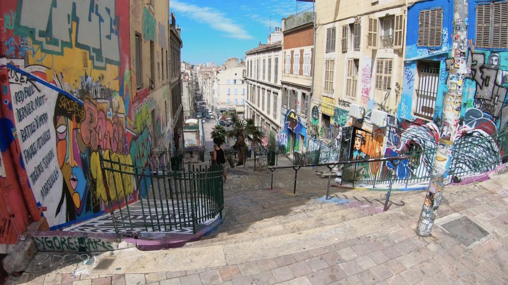 Escalier du Cours Julien à Marseille