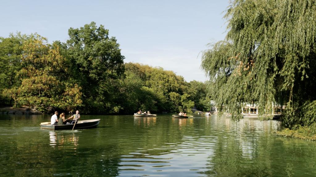 Faire de la barque à Central Park