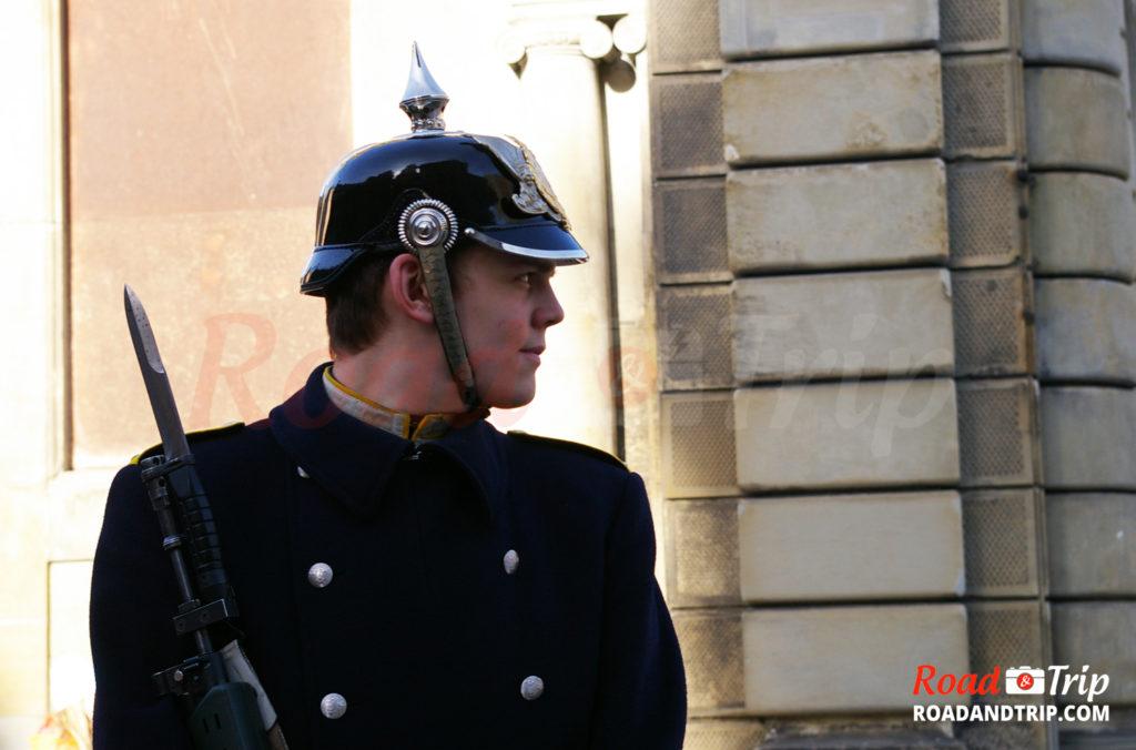 Garde du Palais Royal à Stockholm