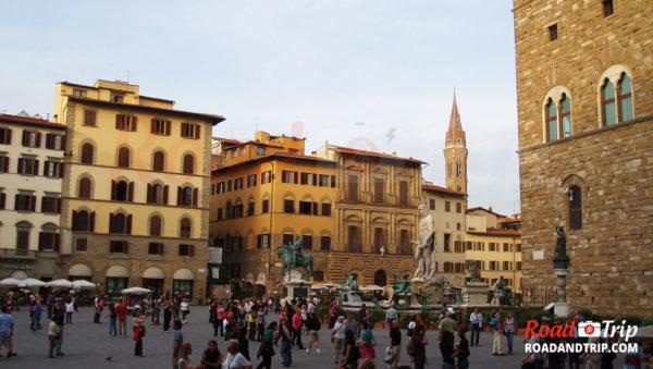 La-Piazza-della-Signoria-à-Florence