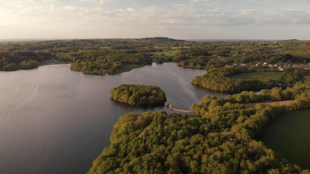 Lac de Saint Pardoux en vue aérienne