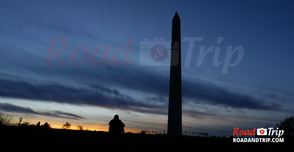 Le Washington Monument au coucher de soleil