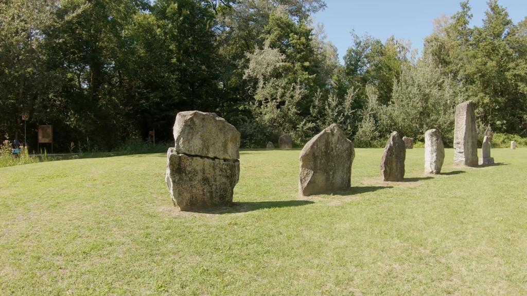 Les Statues Menhirs Néolithiques de Yverdon Les Bains