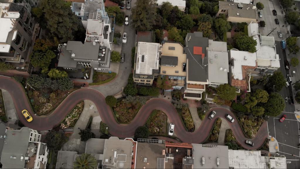 Lombard Street en vue aérienne à San Francisco