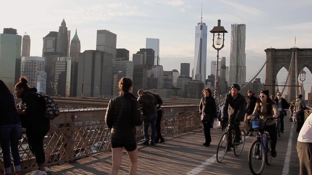 Pont de Brooklyn pour les piétons et vélos