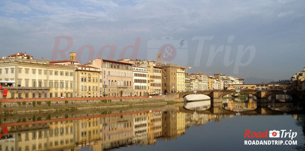 Ponte-Vecchio-et-le-fleuve-Arno