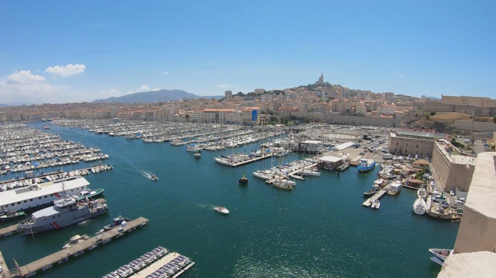 Vue panoramique sur le Vieux Port de Marseille